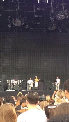 Jhene Akio Performing