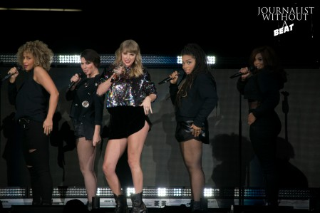 Taylor Swift - B96 Pepsi Jingle Bash 2017