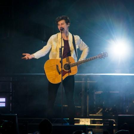 Shawn Mendes at B96 Pepsi Jingle Bash 2018