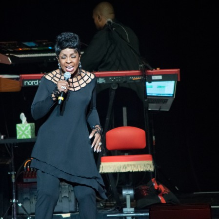 Gladys Knight performing at the Chicago Theatre (2019)